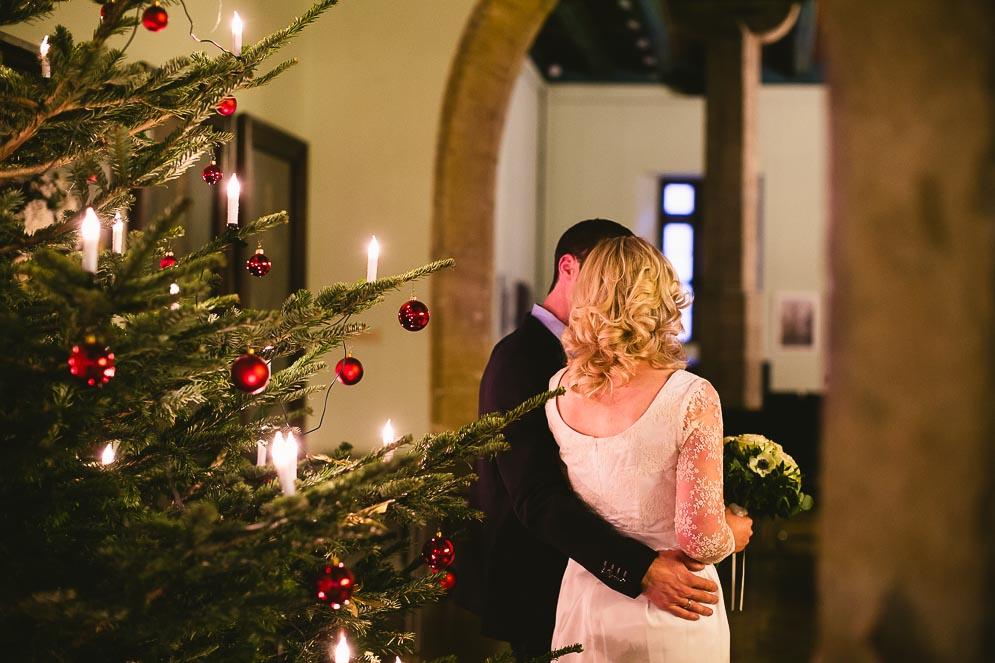 Hochzeit in Jena, Brautpaarshooting auf Weihnachtsmarkt Jena, Hochzeitsfotograf Jena Thüringen